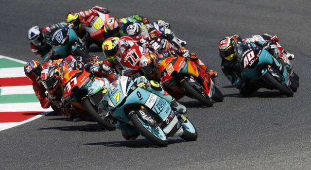 LIVE Moto3, GP Catalogna 2021 in DIRETTA: Rodrigo firma la pole davanti ad Alcoba. Antonelli in prima fila!