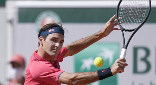 Roland Garros 2021, Roger Federer si salva e conquista l'accesso agli ottavi di finale. Lo svizzero affronterà Matteo Berrettini