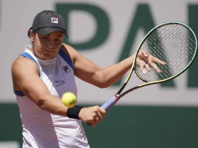 Wimbledon 2021, le favorite. Ashleigh Barty e Serena Williams in pole position. Assenti Halep e Osaka