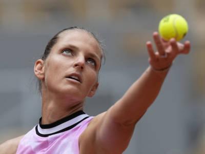 Roland Garros 2021, risultati femminili 3 giugno: avanzano Swiatek e Svitolina. Si ritira Barty, fuori Pliskova e le azzurre