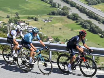 LIVE Giro di Svizzera, tappa di oggi in DIRETTA: Kron si prende la vittoria di tappa dopo la squalifica di Rui Costa!