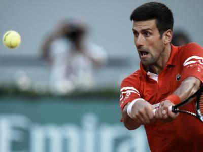 LIVE Djokovic-Tsitsipas, Finale Roland Garros in DIRETTA: il serbo per il 19° Slam, il greco per il primo
