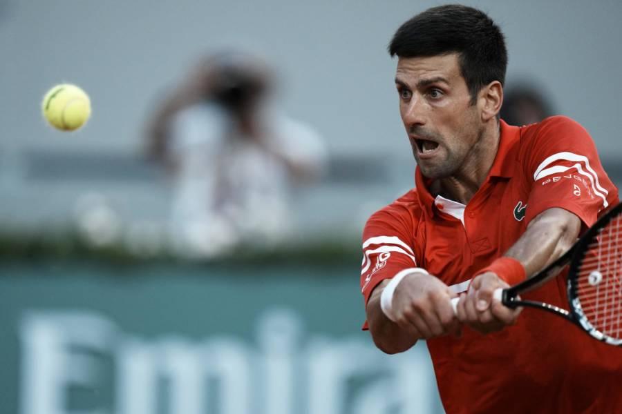 LIVE Djokovic Tsitsipas 3 4, Finale Roland Garros in DIRETTA: il greco conduce il primo set