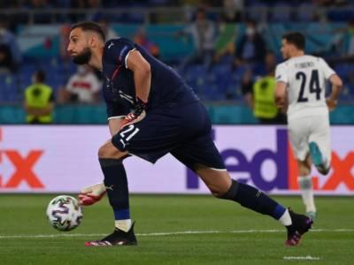 """VIDEO Calcio, Gianluigi Donnarruma a Eriksen: """"Ti aspettiamo presto in campo"""""""