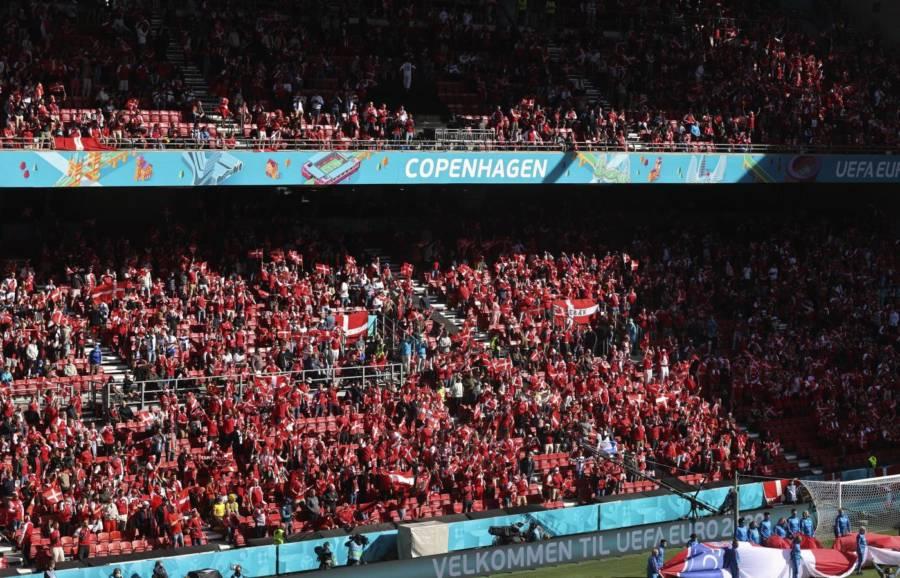 Euro 2021, Danimarca Finlandia sospesa: malore in campo per Christian Eriksen, il giocatore sarebbe stabilizzato