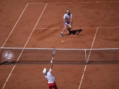 VIDEO Djokovic-Tsitsipas, Roland Garros 2021: highlights e sintesi. Il serbo si impone in cinque partite