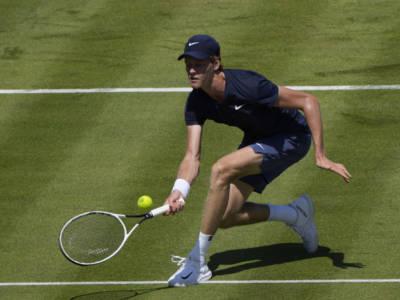 Tennis, Jannik Sinner: prosegue il periodo nero. Subito fuori ad Atlanta, lunga serie di sconfitte