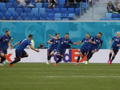 Europei calcio 2021, Polonia-Slovacchia 1-2: la decide Skriniar nel finale, espulso Krychowiak
