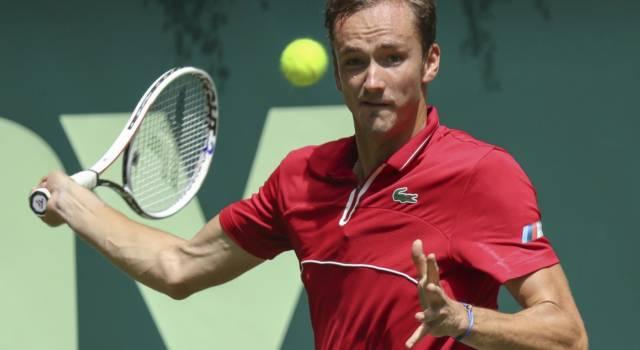 ATP Mallorca 2021, Medvedev e Carreno Busta in semifinale, Bautista Agut ko. Djokovic vince ancora nel doppio, ma non giocherà la finale