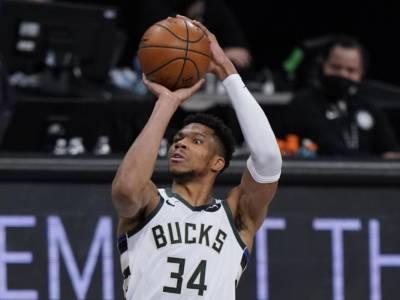 Playoff NBA 2021, i risultati della notte (20 giugno): Bucks in finale di Conference all'overtime, duello Antetokounmpo-Durant leggendario