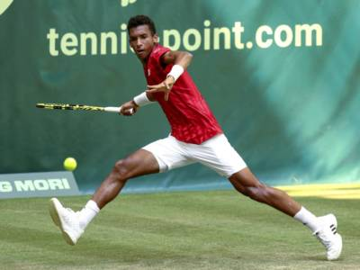 ATP Halle 2021: Auger-Aliassime elimina Federer. Ai quarti Rublev, Giron e Kohlschreiber