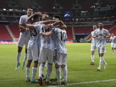 Calcio, Coppa America 2021: l'Argentina vince di misura sul Paraguay. Pareggio tra Uruguay e Cile
