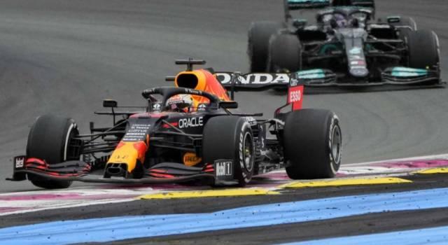 F1, GP Gran Bretagna 2021. Lewis Hamilton studia il contrattacco a Max Verstappen. La Ferrari teme Silverstone