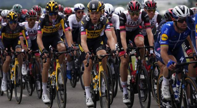 VIDEO Seconda maxi-caduta al Tour de France! A terra anche Chris Froome e Valverde