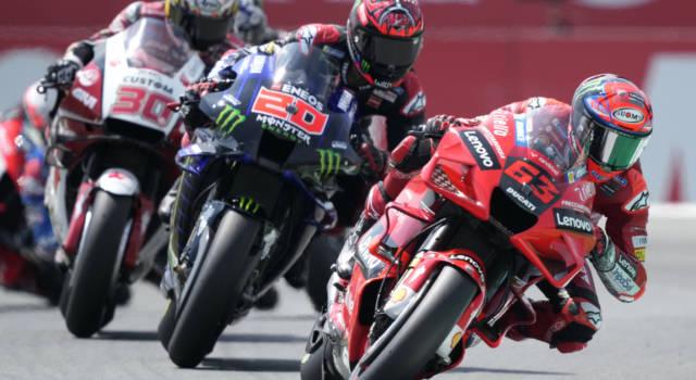 MotoGP, promossi e bocciati GP Olanda: Quartararo inesorabile, Mir non molla, Valentino Rossi cade ancora