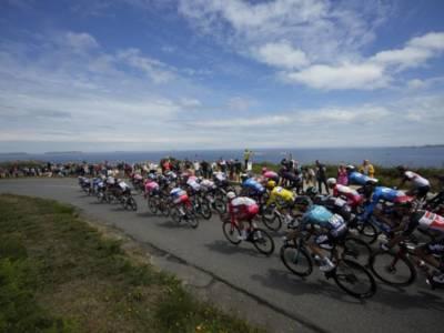 LIVE Tour de France 2021 in DIRETTA: video cadute Roglic e Ewan. Nibali incolume e 16° in classifica
