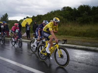 Tour de France 2021, Van der Poel potrebbe conservare la maglia gialla nella cronometro, Alaphilippe proverà a strappargliela. E Pogacar..