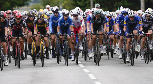 VIDEO Tour de France 2021: gli highlights della terza tappa. Tante cadute e vittoria per Merlier