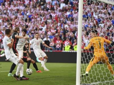 Calcio, la Spagna batte la Croazia per 5-3 ai supplementari e vola ai quarti degli Europei 2021