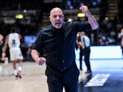 Basket: Virtus Bologna, c'è il nodo panchina. Tra i colloqui con Djordjevic e l'idea Scariolo ben poco nascosta