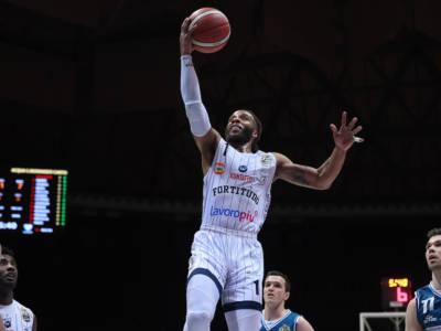Basket: Adrian Banks non resta alla Fortitudo Bologna