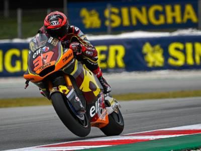 Moto2, risultati warm-up GP Catalogna 2021: risale Bezzecchi, ma davanti comandano Augusto e Raul Fernandez