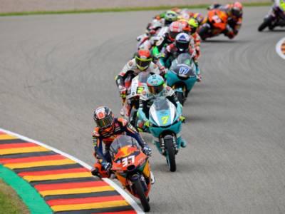 LIVE Moto3, GP Olanda 2021 in DIRETTA: Alcoba conquista la pole con il nuovo record della pista! Fenati e Foggia in prima fila