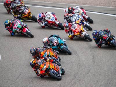 VIDEO Moto2, highlights GP Olanda 2021: quinta doppietta KTM Ajo, Raul Fernandez precede Gardner