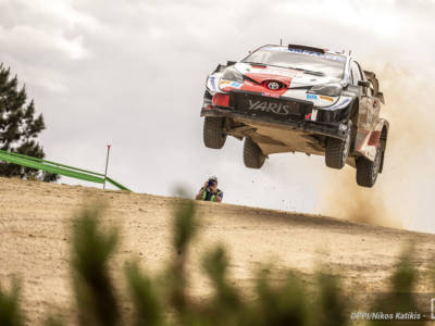 Rally Sardegna, day-2: Sebastien Ogier saldamente al comando, Hyundai alza bandiera bianca con Tanak