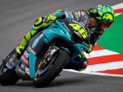 MotoGP, a che ora inizia la gara e su che canale vederla in tv: programma GP Catalogna 2021, palinsesto Sky, DAZN e TV8