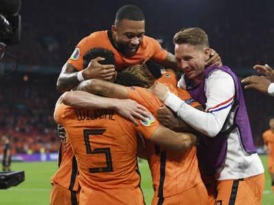 LIVE Olanda-Austria 2-0, Europei 2021 in DIRETTA: Depay-Dumfries in gol, ottavi di finale conquistati