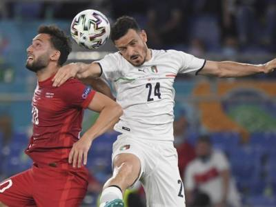 Calcio, Europei 2021: contrattura al polpaccio per Alessandro Florenzi. Niente Svizzera per l'azzurro