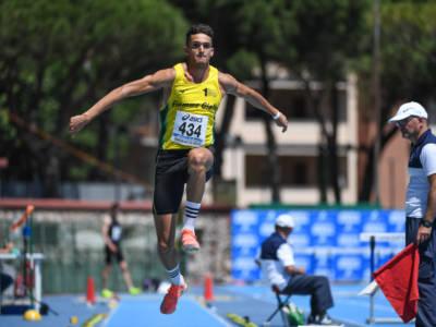 Atletica, Andrea Dallavalle esplode: 17.35, triplo da favola e minimo per le Olimpiadi! Quarto italiano di sempre