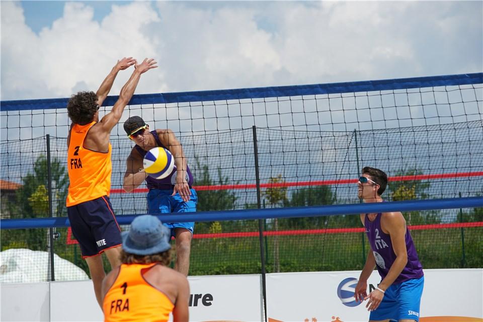 Beach volley, World Tour 2021 Sofia2. Largo ai giovani: doppia coppia azzurra in semifinale