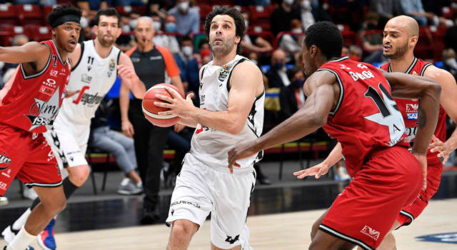 Basket: Virtus Bologna, è ancora notte di gloria a Milano. Teodosic abbatte l'Olimpia, è 0-2 nella finale scudetto