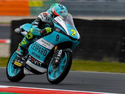 Moto3, risultato FP3 GP Olanda 2021: Dennis Foggia il migliore davanti a Fenati. Pedro Acosta, che paura!