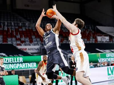 Basket: l'Olimpia Milano ufficializza l'acquisto di Devon Hall