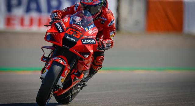 MotoGP, Francesco Bagnaia maestro delle rimonte. Ma per il Mondiale serve un cambio di passo nelle qualifiche