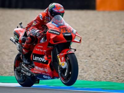 """LIVE MotoGP, GP Olanda in DIRETTA: video caduta Valentino Rossi. """"Ci saranno grandi cambiamenti"""""""