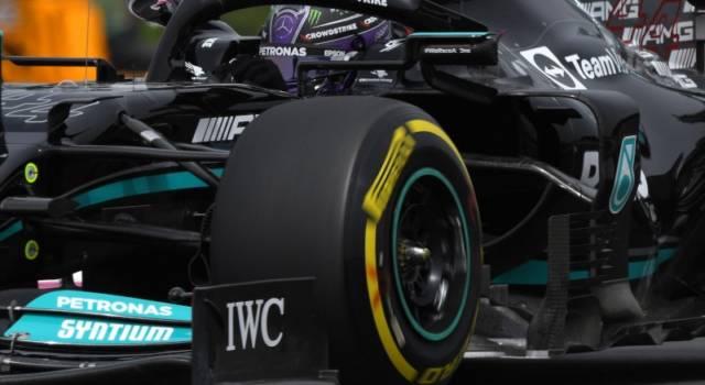 """F1, Lewis Hamilton: """"Non sono mai stato contento della vettura. Abbiamo lavorato parecchio per raggiungere la prima fila"""""""