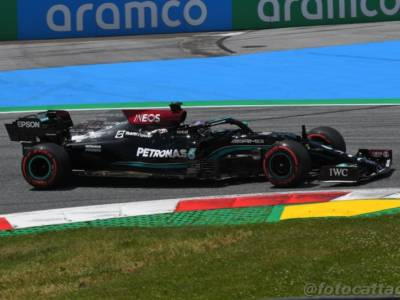 """F1, Lewis Hamilton: """"Devo porre i miei complimenti a Max che già da ieri è perfetto"""""""