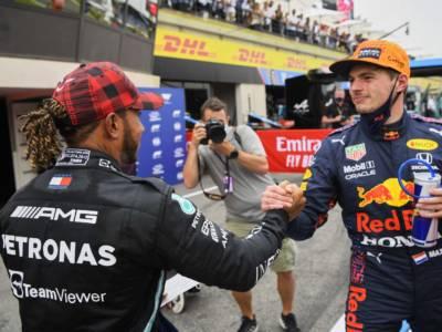 F1, Ferrari spera che Mercedes e Red Bull si giochino il Mondiale fino all'ultima gara