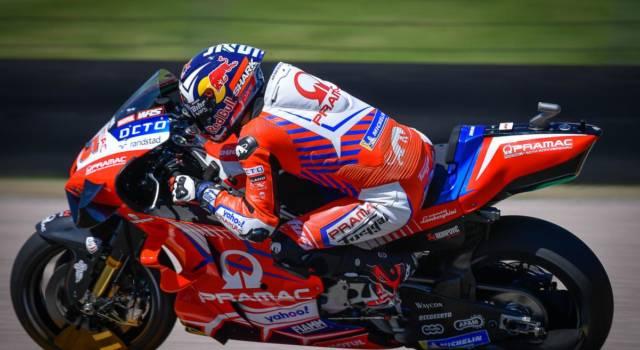 """MotoGP, Johann Zarco e una pole…""""alla Leclerc"""". Gran tempo, poi una caduta provvidenziale.."""