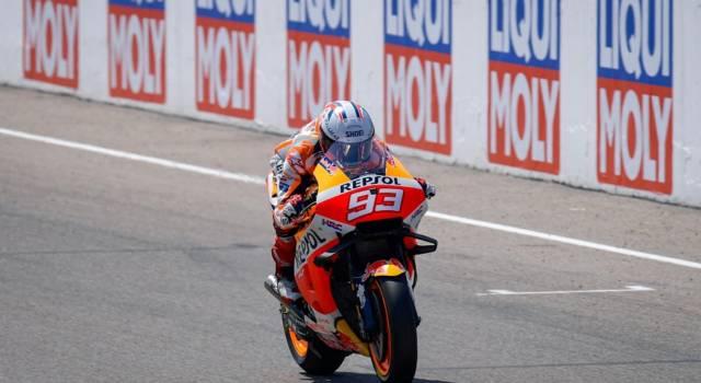 MotoGP, Marc Marquez torna grande e domina nel feudo del Sachsenring. 5° Bagnaia in rimonta
