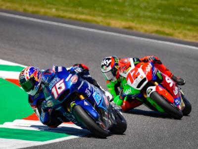 LIVE Moto2, GP Catalogna 2021 in DIRETTA: Raul Fernandez svetta in classifica, sesto Marco Bezzecchi