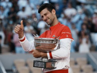Roland Garros 2021, Djokovic respinge ancora una volta Tsitsipas. Una NextGen che sembra Godot