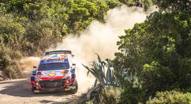 Rally Sardegna 2021: Ott Tanak domina la scena e vola con 19 secondi su Dani Sordo