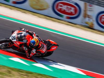Superbike, risultati FP2 GP Misano 2021: Rinaldi svetta davanti alle Kawasaki, inseguono Razgatlioglu e Redding