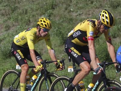 Tour de France 2021, caduta in gruppo nella terza tappa: ritiro di Robert Gesink, dolorante Geraint Thomas
