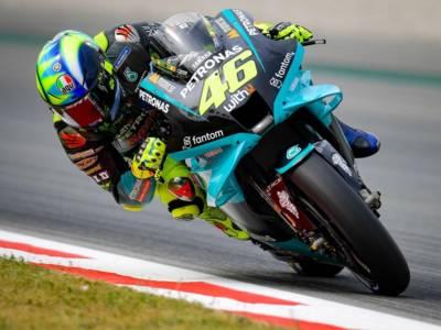 LIVE MotoGP, Test Barcellona in DIRETTA: Vinales e Quartararo svettano in classifica. 10° tempo per Rossi